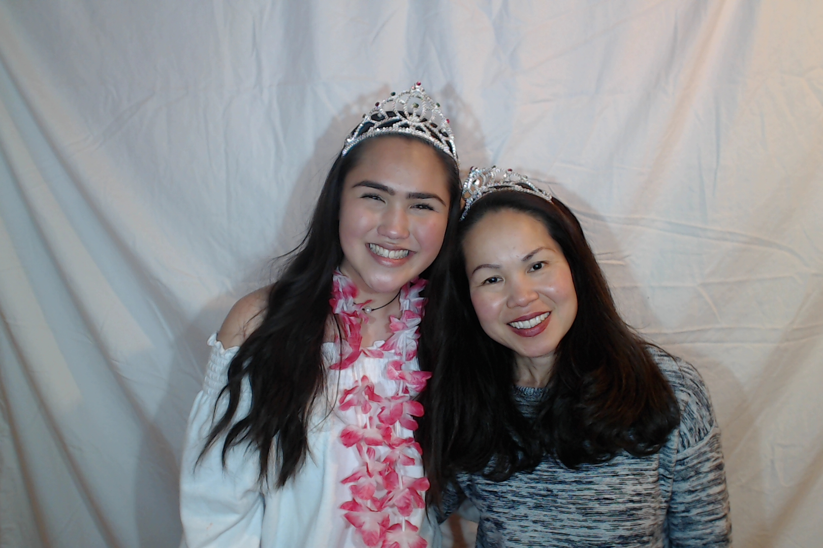 Michelle and Sophia 14th birthday077-2018-03-10singles