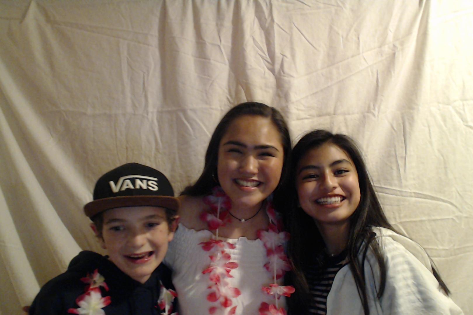 Michelle and Sophia 14th birthday047-2018-03-10singles