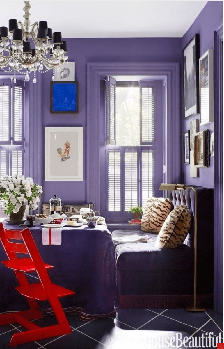 Pantone Ultra Violet apartment