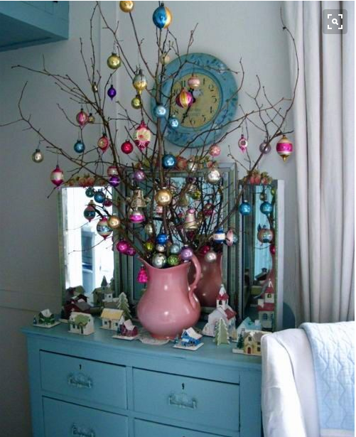 pink and blue Christmas decorationss
