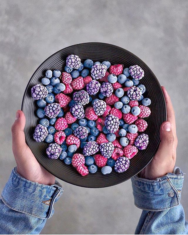 Mixed frozen berries or mixed berry icepops_ They are equally good, aren't them!! We love to be insp