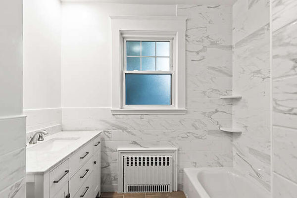 93 Crest Ave Unit 1 Winthrop-small-029-034-20 Bathroom1-666x445-72dpi.jpg