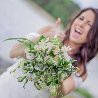 Bröllop_Gålö_Brudbukett_Add_a_flower.JPG