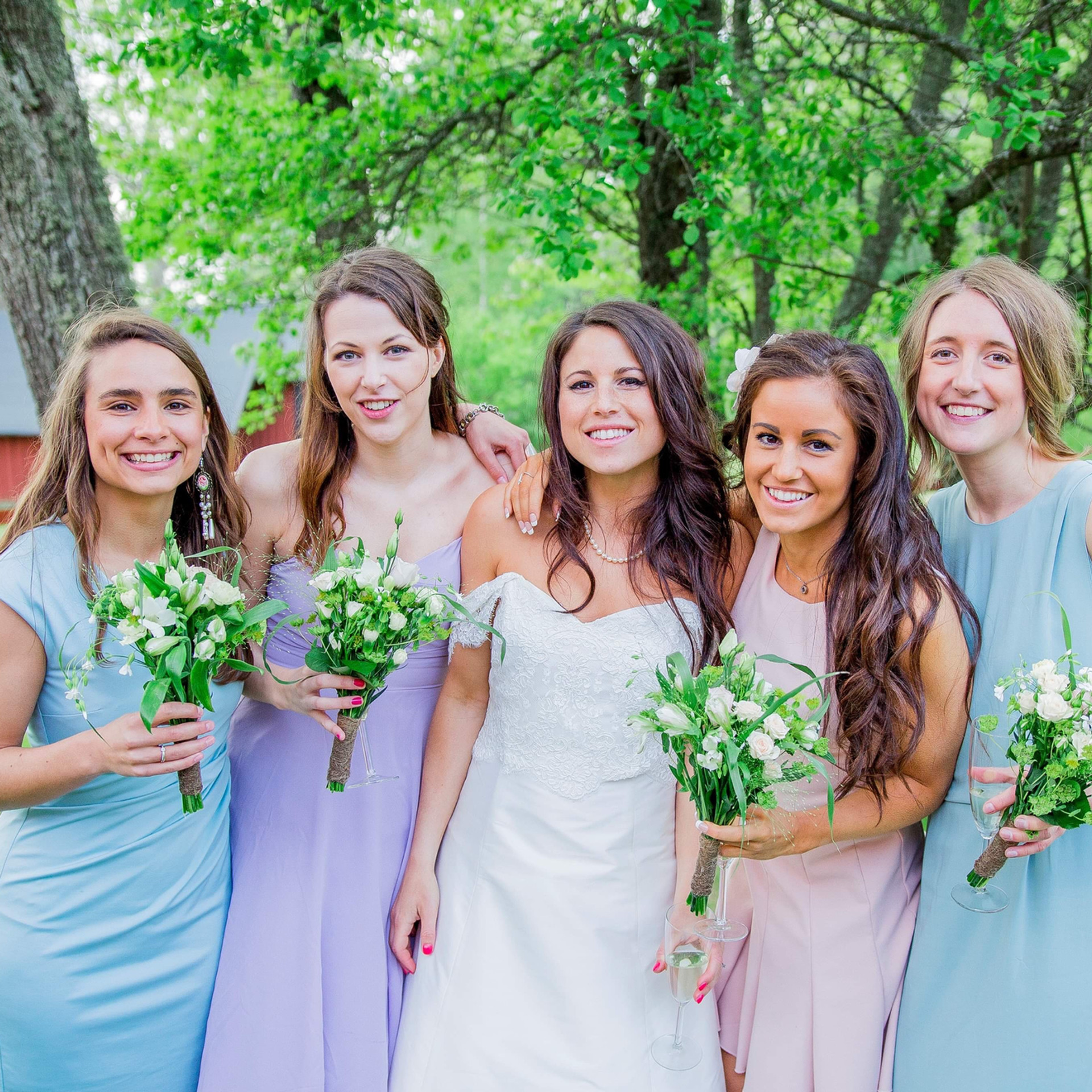 Bröllop_Gålö_brudtärnor,_bridesmaids_Add