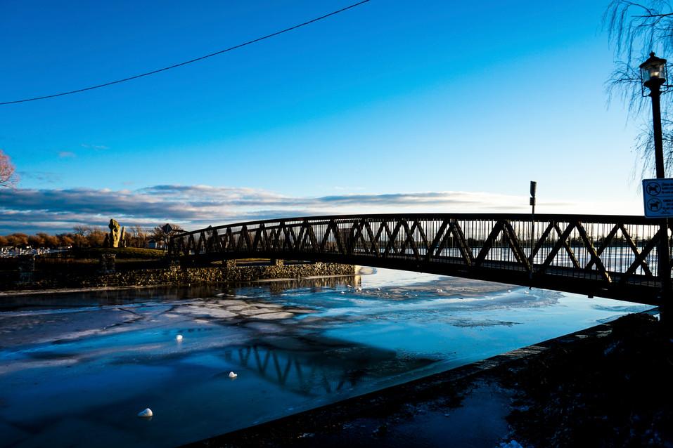 Pont du Canal-Lachine- 1M.jpg