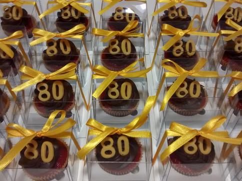 Cup Cakes para aniversários