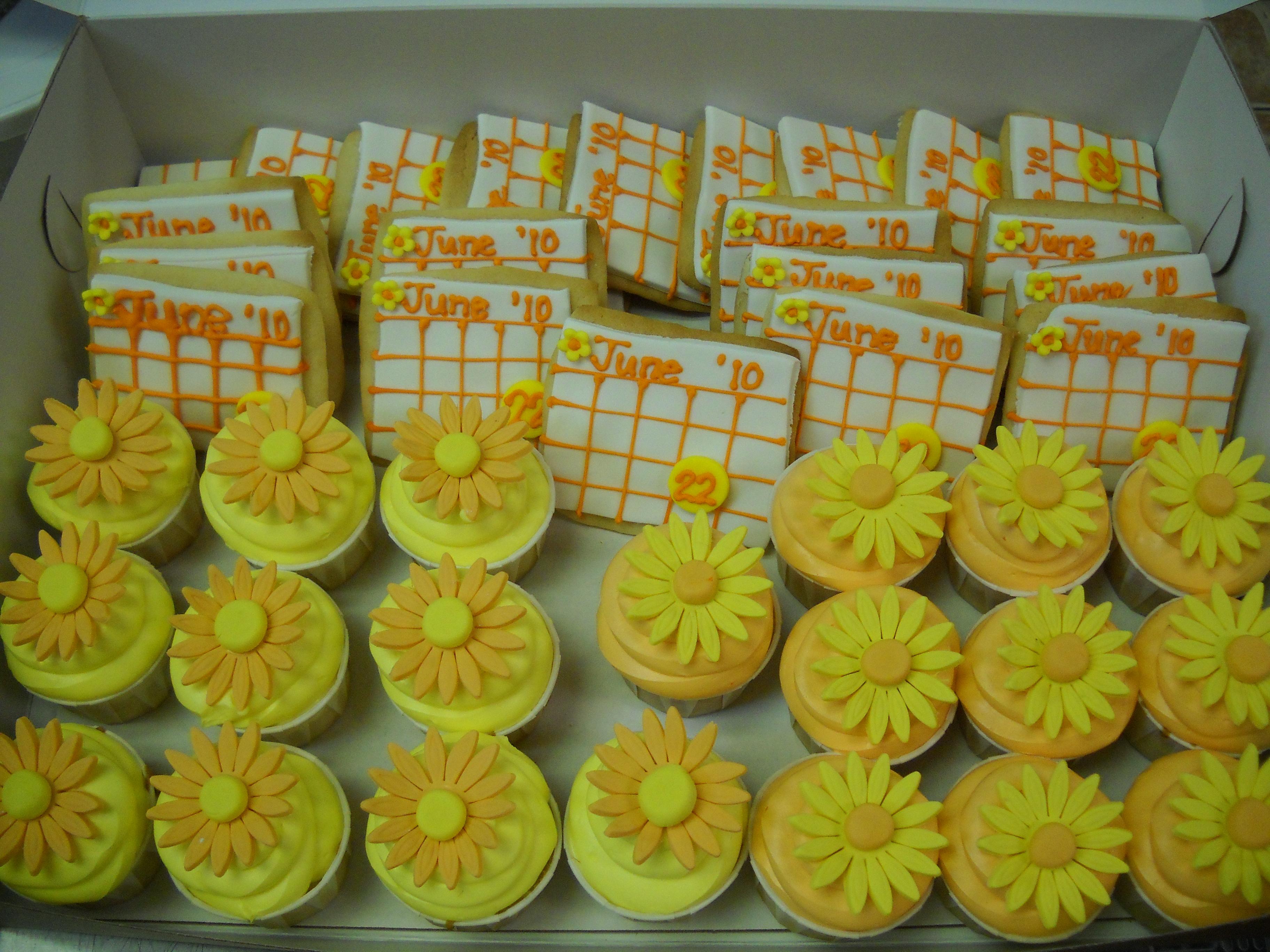 Calendar Cookies and Cupcakes