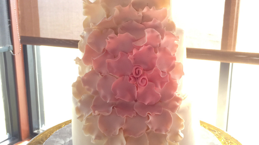 Big Flower Wedding Cake