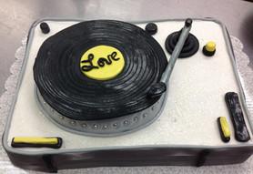Turntable grooms cake