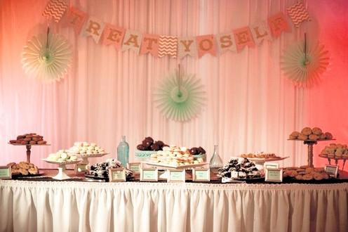 Cookie bar wedding table
