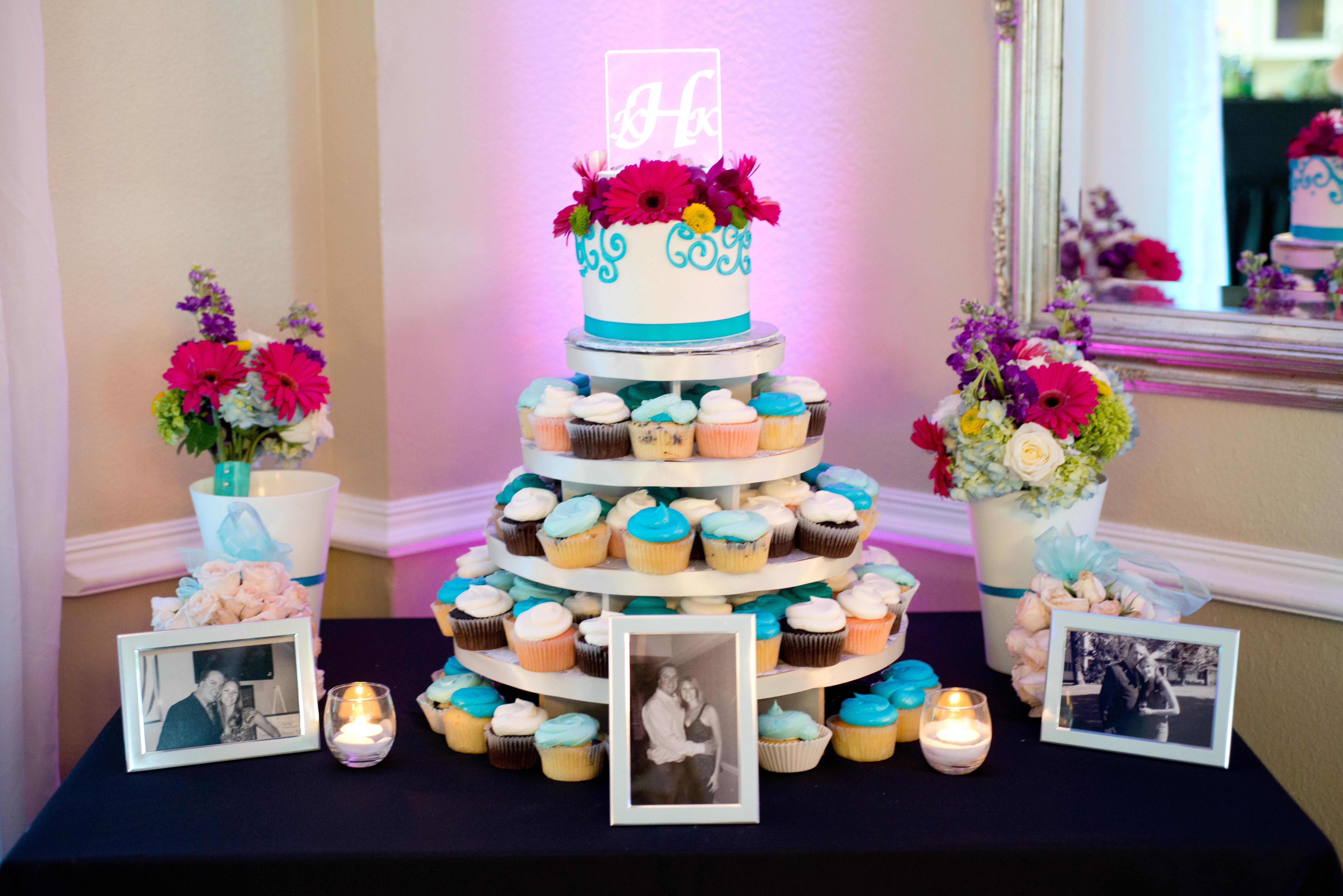 Ombre blue Wedding Cupcake