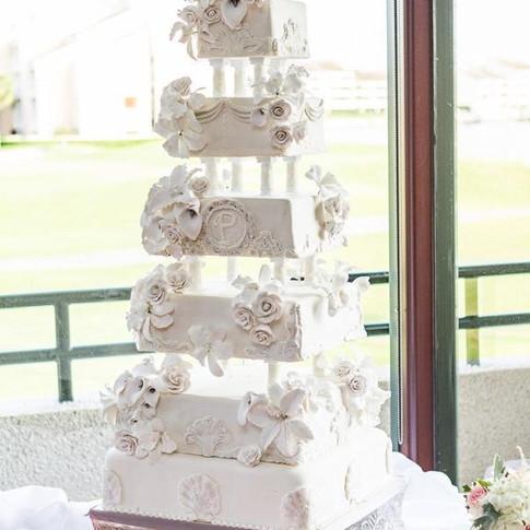 Classy Fondant Wedding Cake