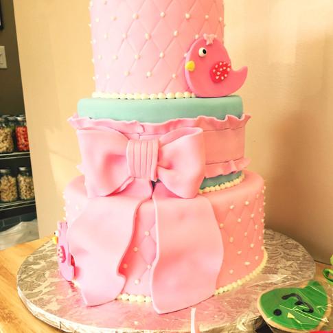 Baby Bird shower cake