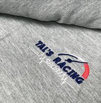 Broderie personnaisé sur T-shirt gris