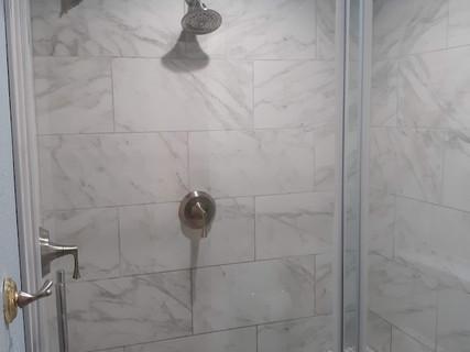 Shower with Bench.jpg