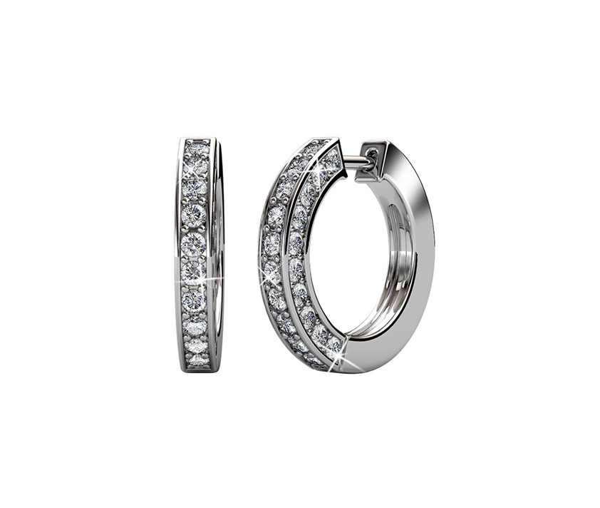 Huggie earrings in 18K white gold with swarovski crystals