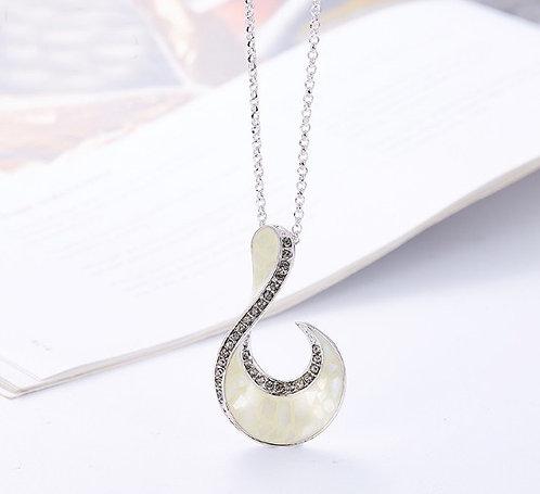 frenelle jewellery necklace maori fish hook