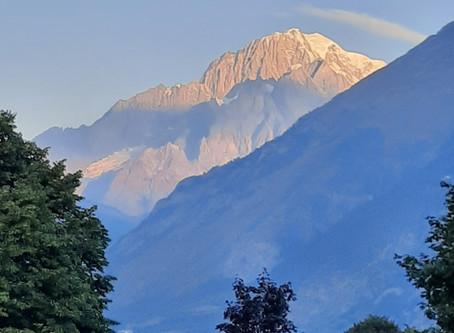 Fenêtre sur le Mont Blanc, Champagne, chocolat