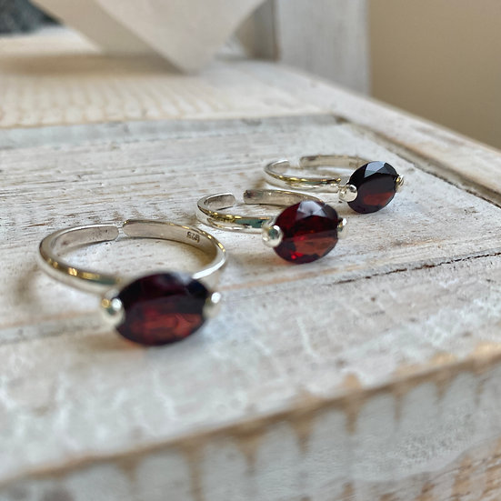 Garnet Faceted Oval 925 Silver Ring - Adjustable