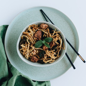 The Easiest Vegan Pasta with Zucchini and Mushrooms