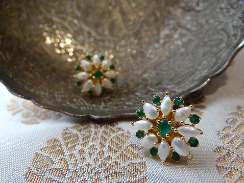 hyderabadi pearl and emerald stud earring