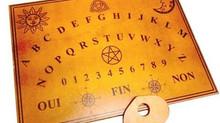 Démystifier le spiritisme