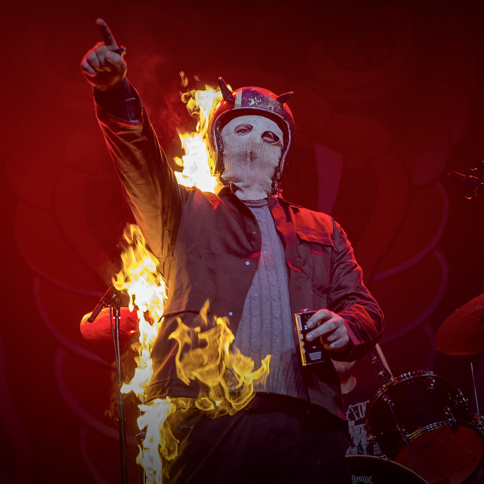 concertfoto05-stuntman.jpg