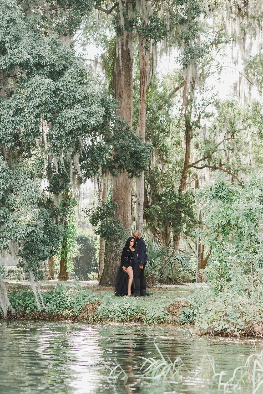 Orlando Engagement Photographer | Kraft Azalea Park Engagement Photos