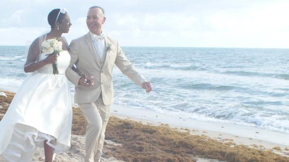 Mermaid Beach Weddings: Tina + Luis