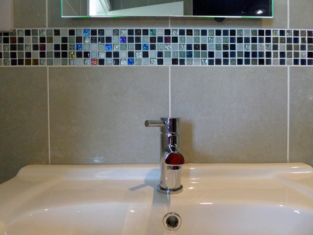 Noddfa master bathroom detail