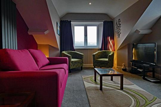 Eryri Lounge Low Level from Door.jpg