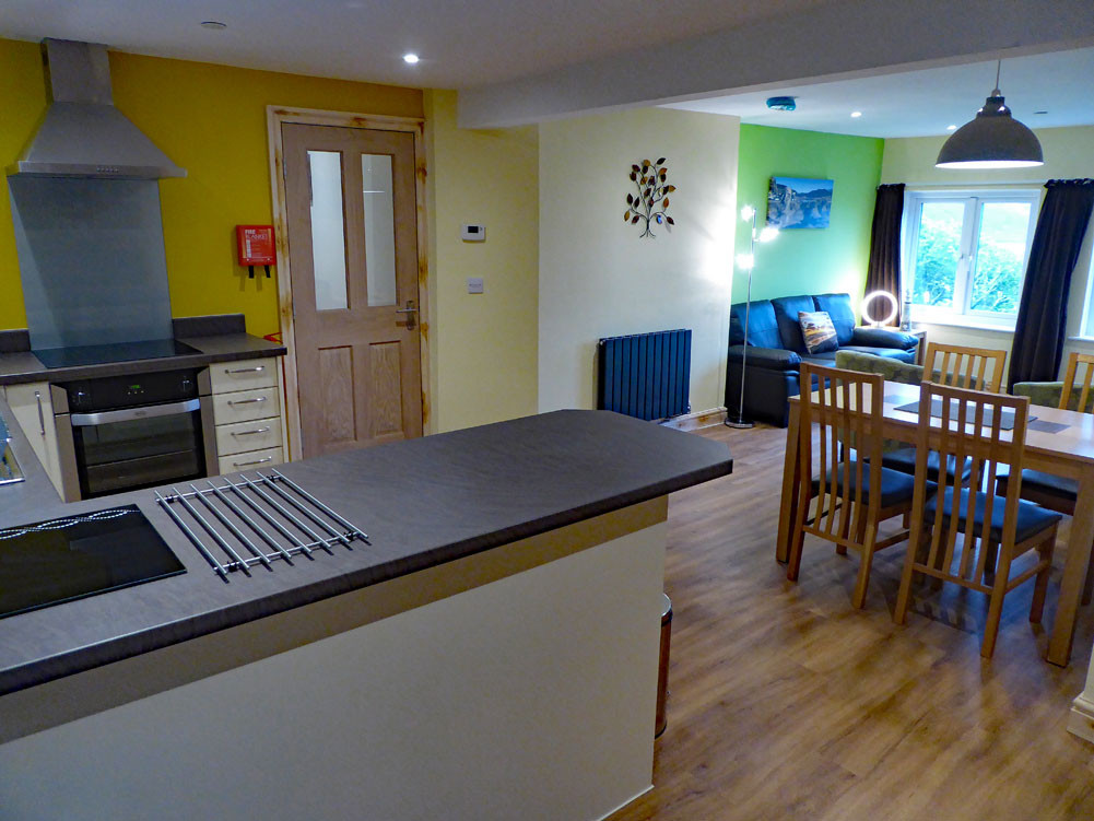 Noddfa kitchen/living transition