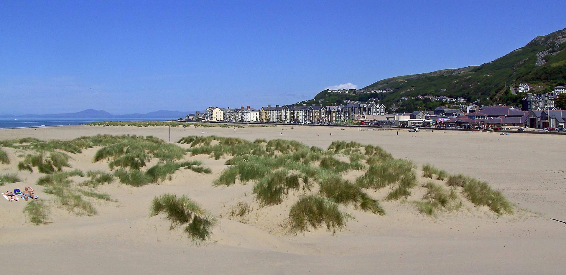 Barmouth Beach and Prom 2.jpg