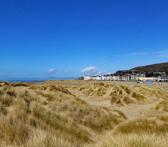 Barmouth Beach and Prom.jpg