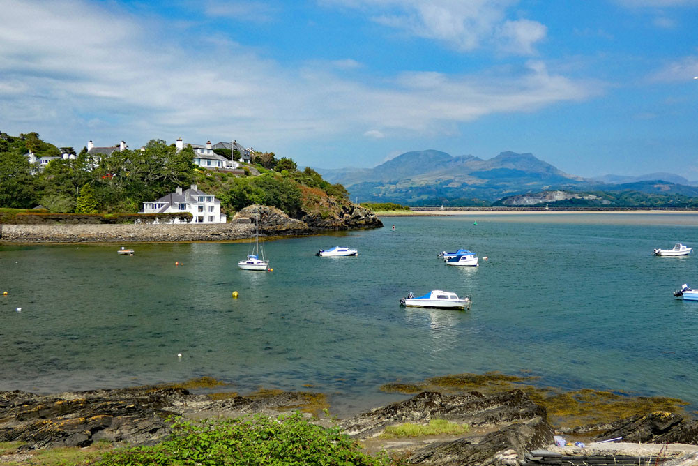 Borth-y-Gest and the Moelwyns