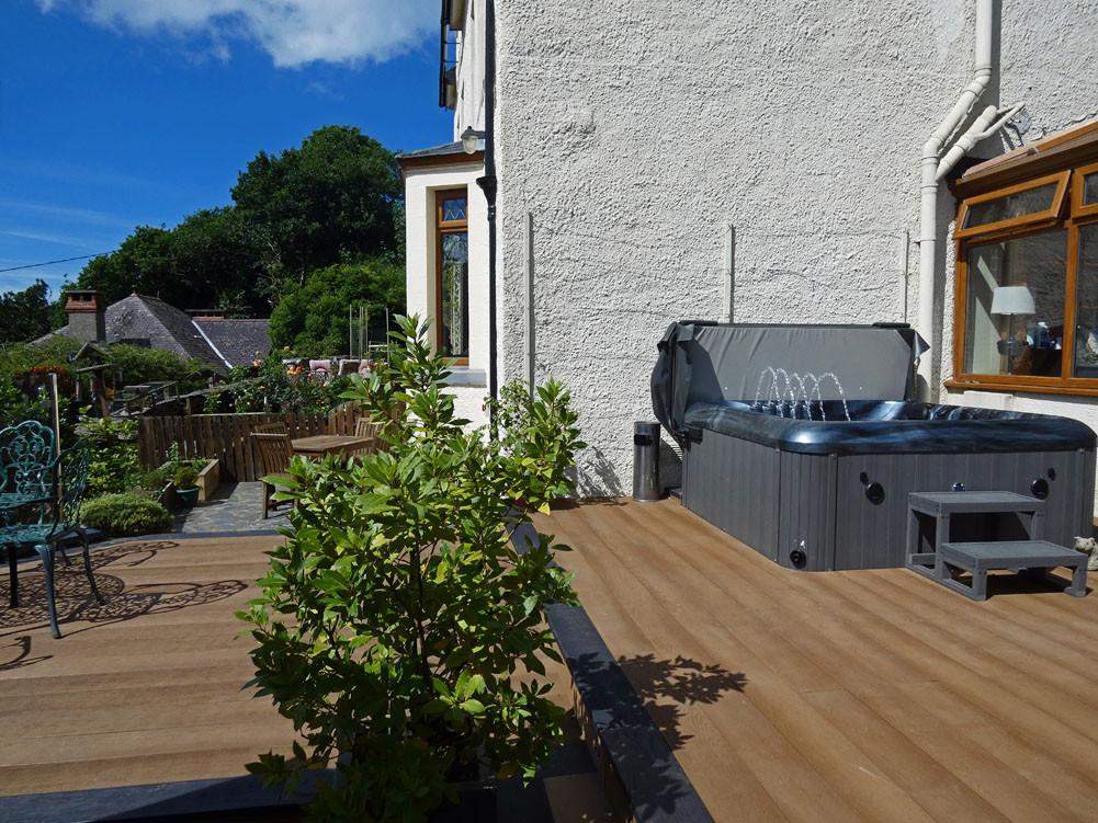 Shared sun deck and hot tub