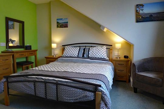 Eryri master bedroom