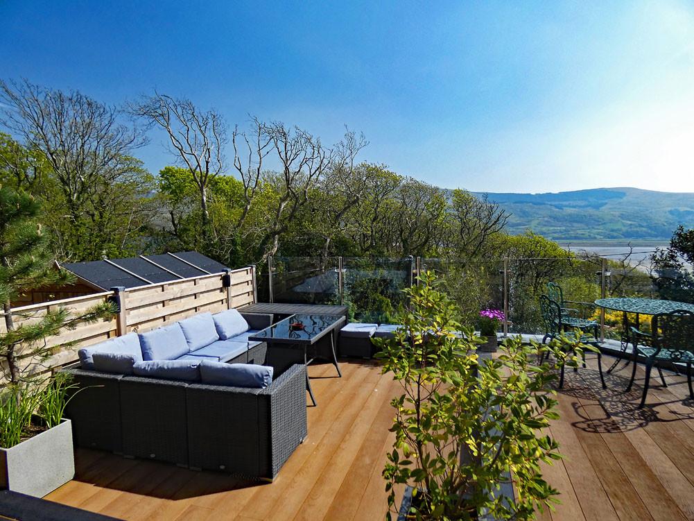 Shared sun terrace