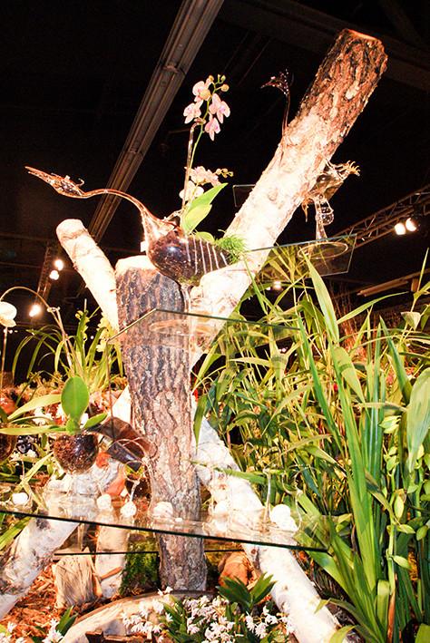 Bepflanzter Vogel.jpg