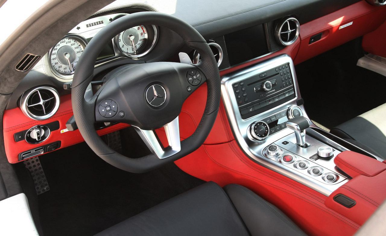 Mercedes SLS AMG- enterior- W luxury car rentals