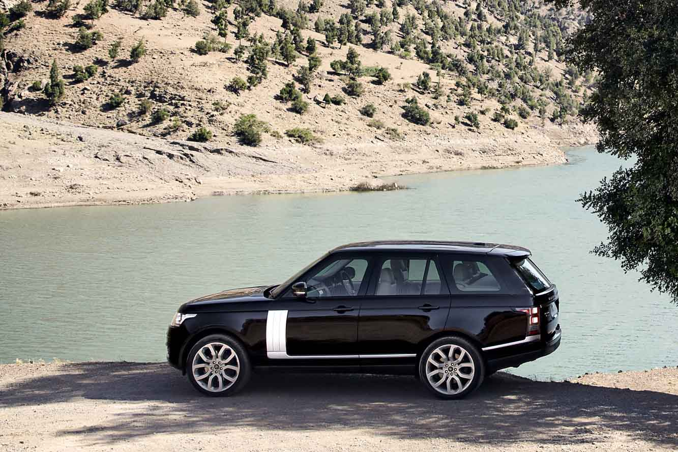 Range Rover HSE Supercharged- side-Luxury car rental houston