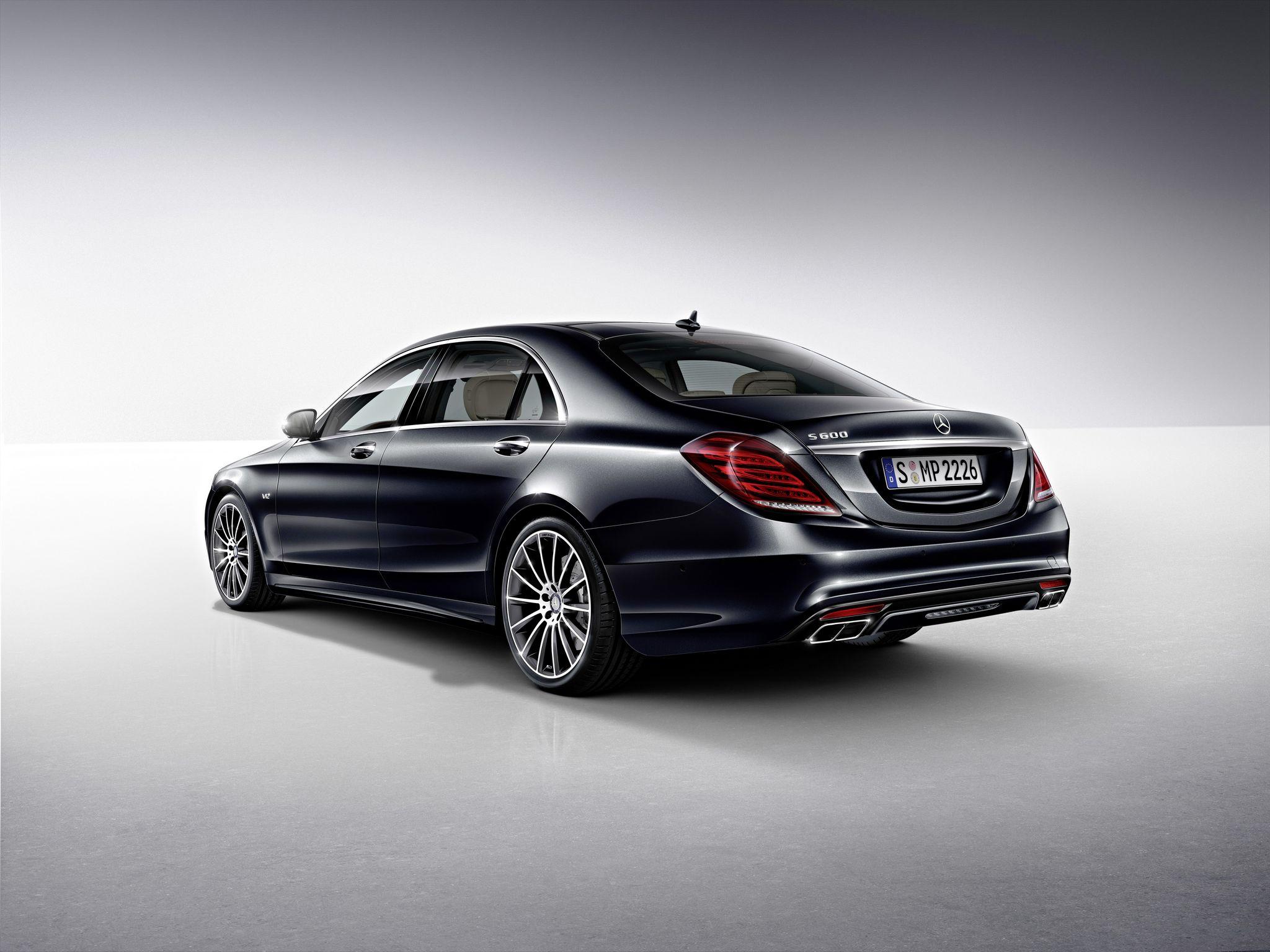 Mercedes S550 -back-luxury car rentals Houston