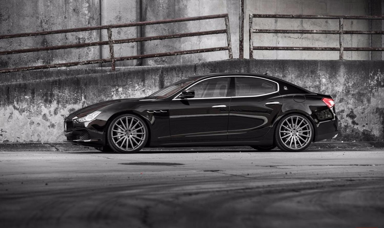 Maserati Ghibli - side- Luxury car rentals Houston_edited