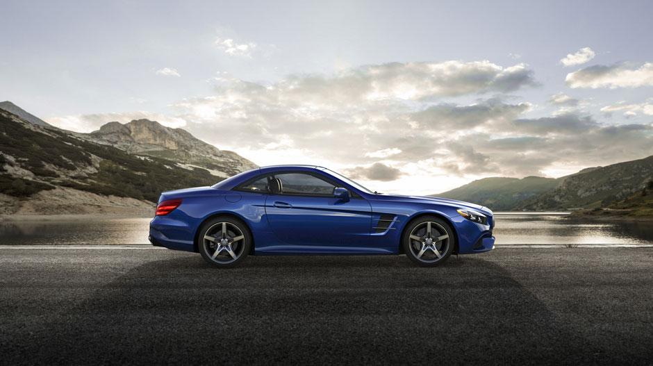 Mercedes Benz SL550-side- Luxury car rental Houston