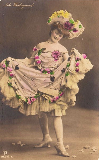 dancerlady005.jpg