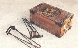 Angelina Dederer_Wooden tool box