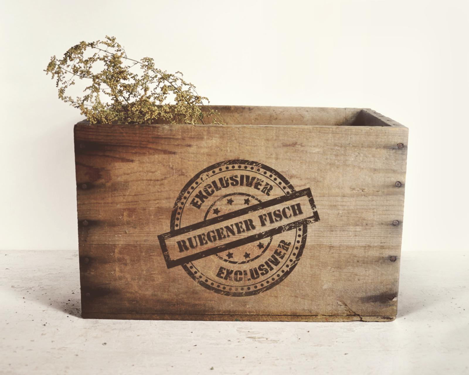 Angelina Dederer_Wooden box