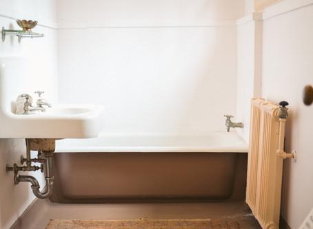 Toter Nachbar in Badewanne – Eine Kurzgeschichte