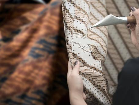 Aneka Bahan Batik dan Peralatan untuk Membuatnya