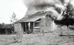 Burning_residence_Rosewood_Massacre_1923